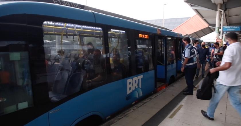 Fiscalização no BRT. Foto: Rhavinne Vaz / Prefeitura do Rio