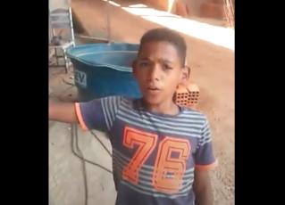 Sabiá do Piauí, menino imita sons de pássaros. Foto: Reprodução/Youtube