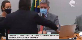 Deputado agride presidente de Comissão sobre maconha medicinal na Câmara. Foto: Reprodução de Internet